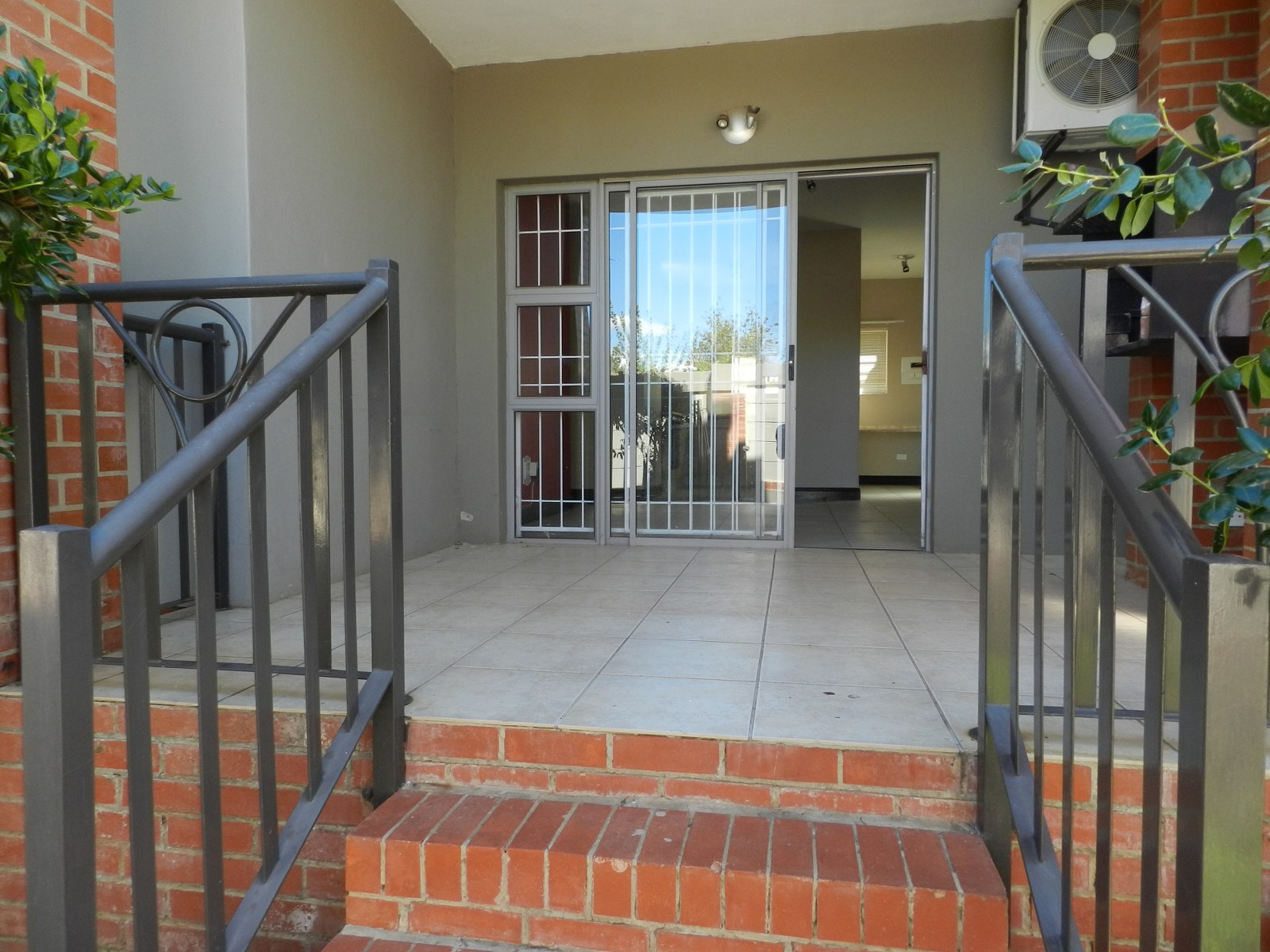 2 BedroomTownhouse For Sale In Dassie Rand