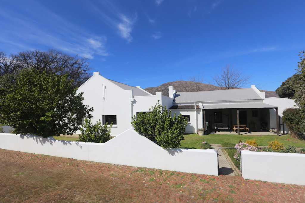 4 BedroomHouse For Sale In Villiersdorp
