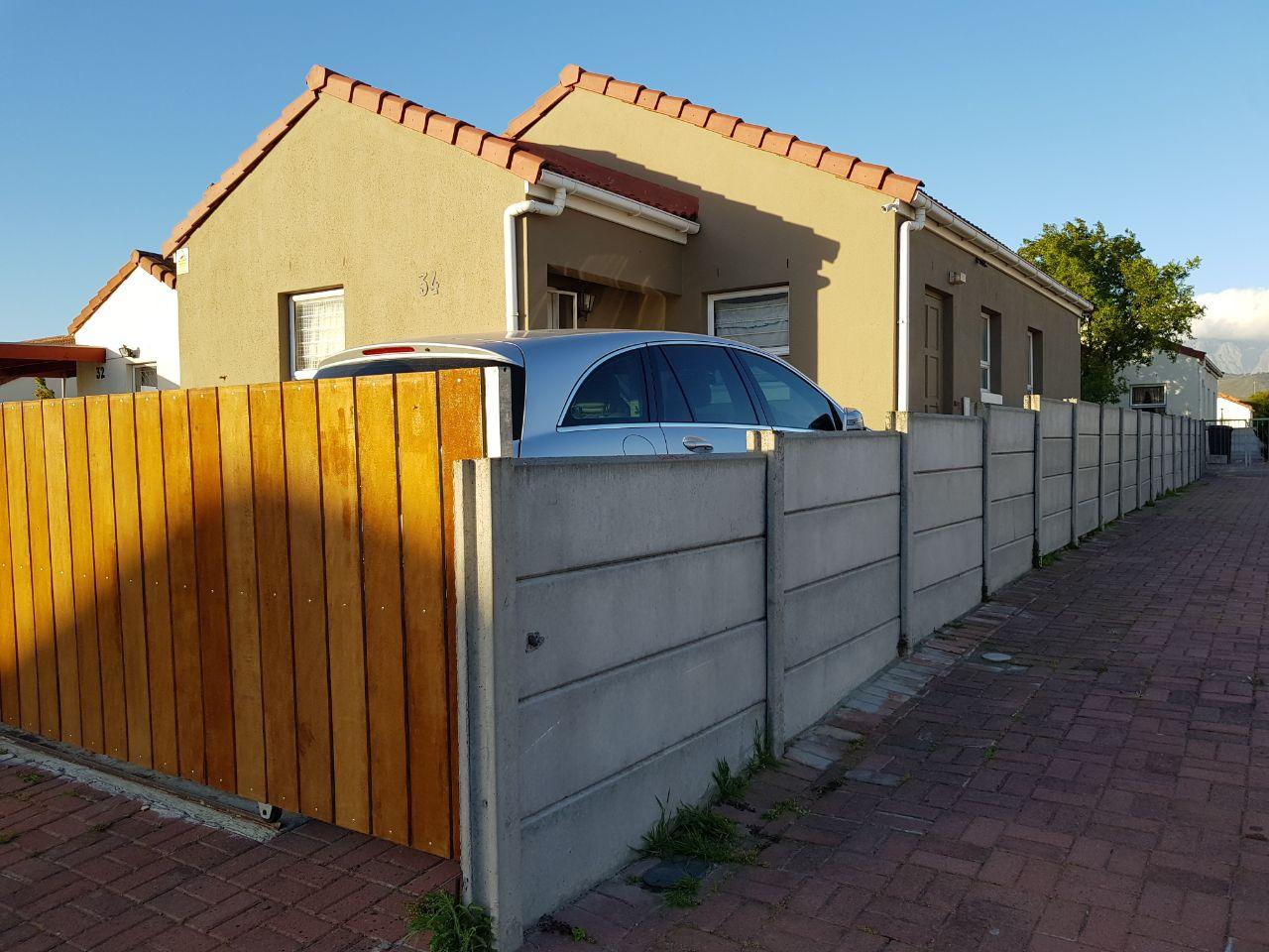 3 BedroomTownhouse For Sale In Broadlands Village