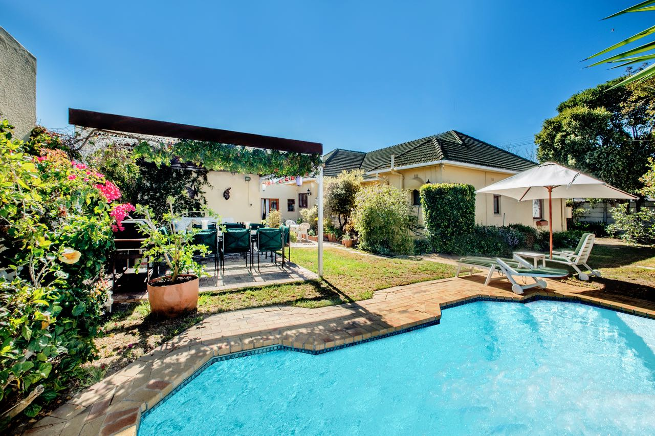 6 BedroomHouse For Sale In Claremont