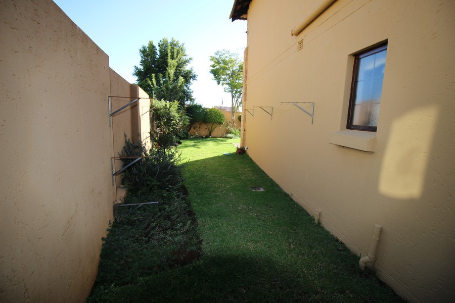 3 Bedroom Townhouse for sale in Erand Gardens ENT0033904 : photo#3