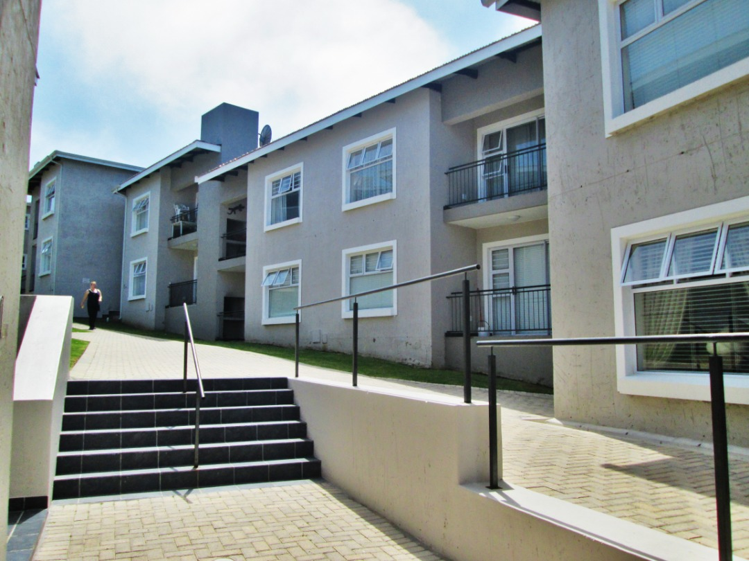 2 Bedroom, 2 Bathroom Apartment is Now for Sale in Island View, Mossel Bay.