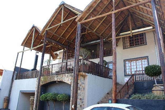 16 Bedroom House in Rietfontein