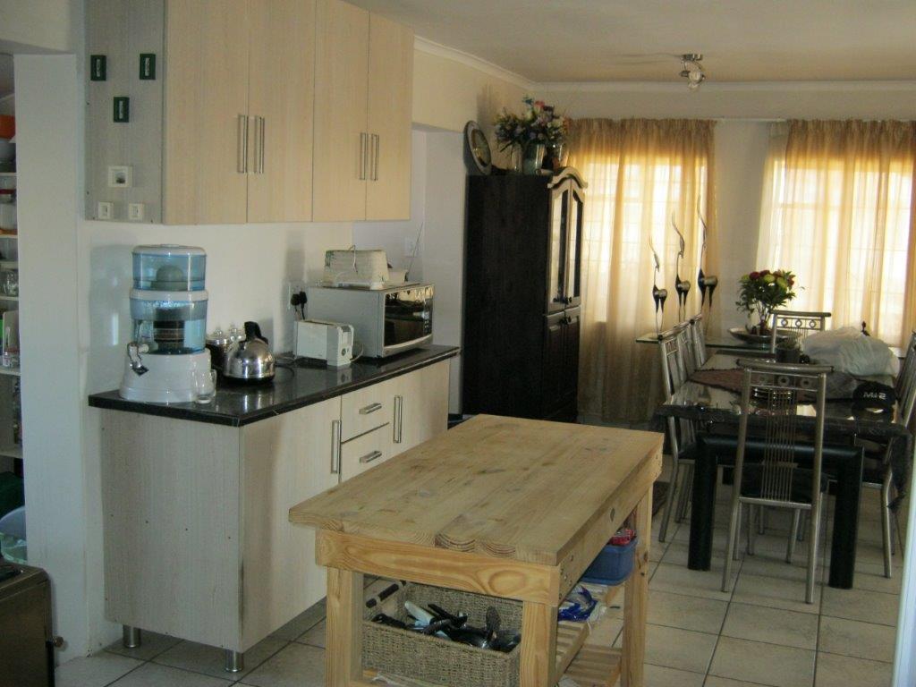 2 BedroomHouse For Sale In Tweeling