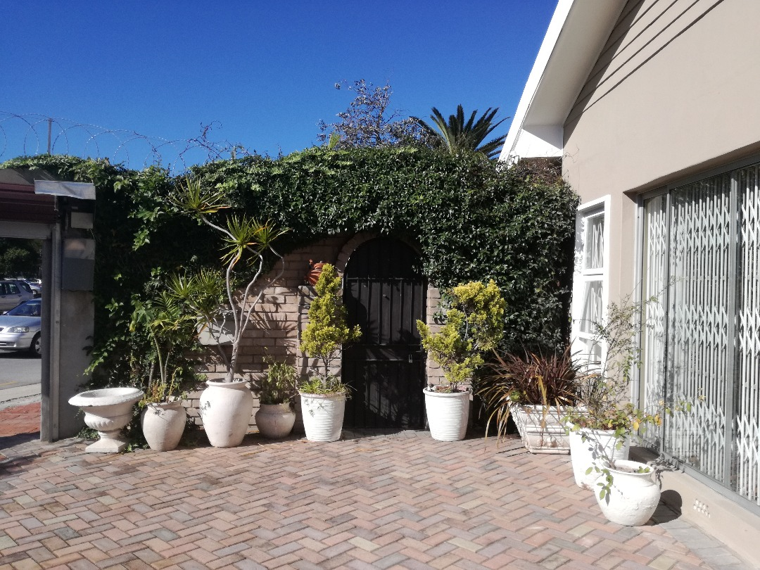 6 BedroomHouse For Sale In Mount Croix