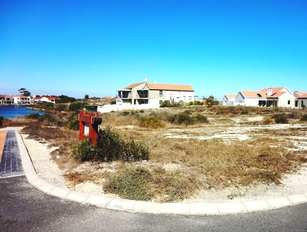 Admiral Island, Port Owen -  Who says price doesn't matter?