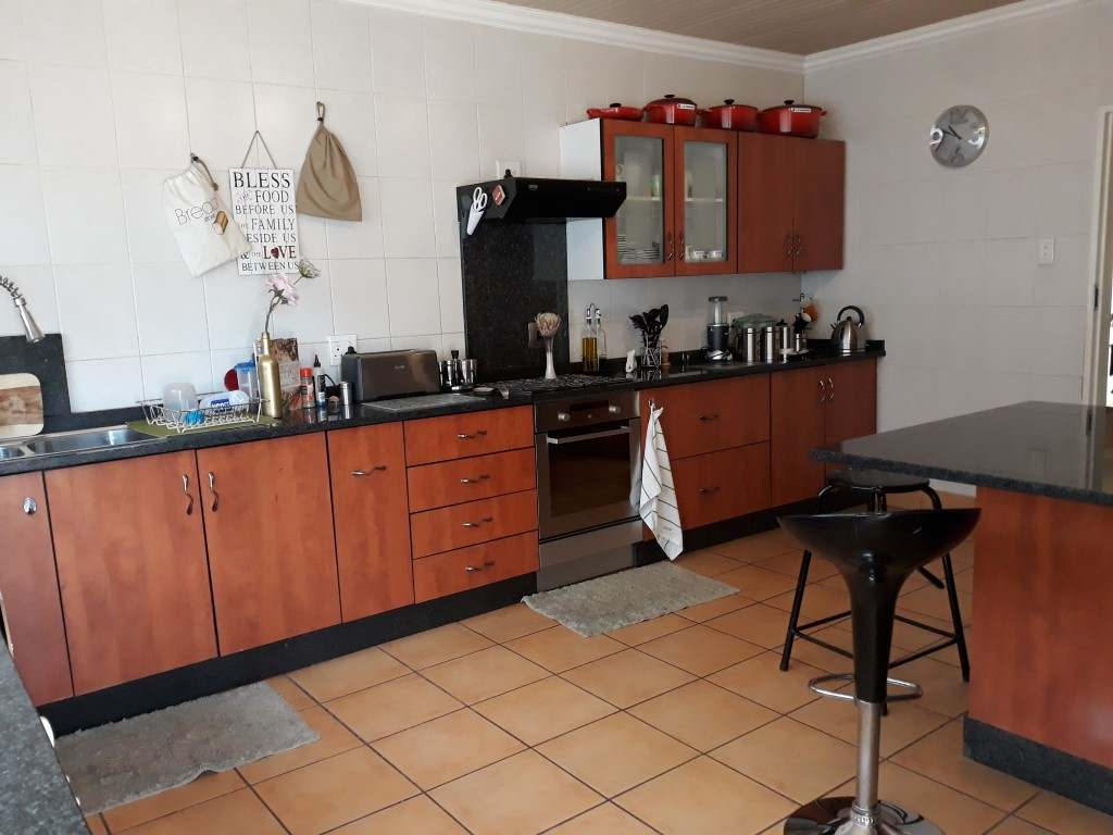 3 Bedroom House for sale in South Crest ENT0080475 : photo#2