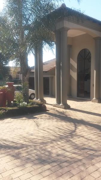 4 BedroomHouse To Rent In Bedfordview