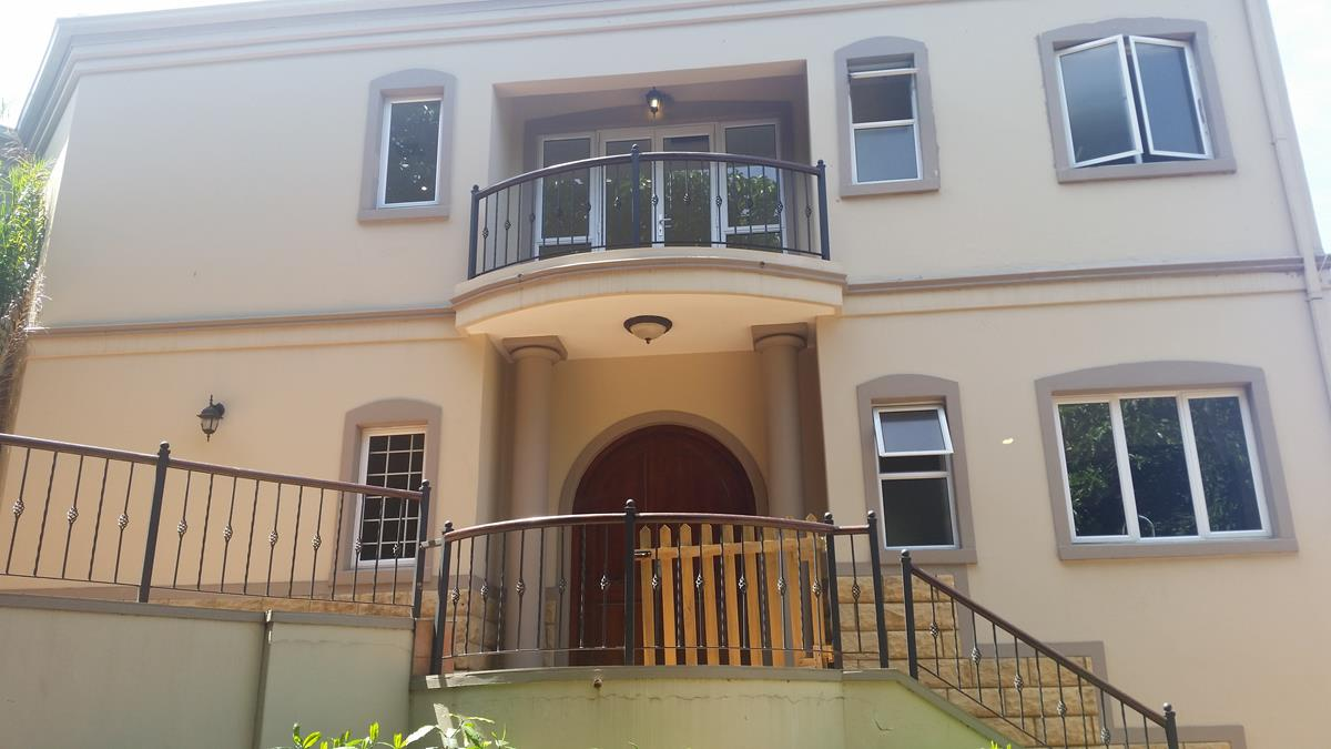 3 BedroomTownhouse For Sale In Umhlanga Rocks