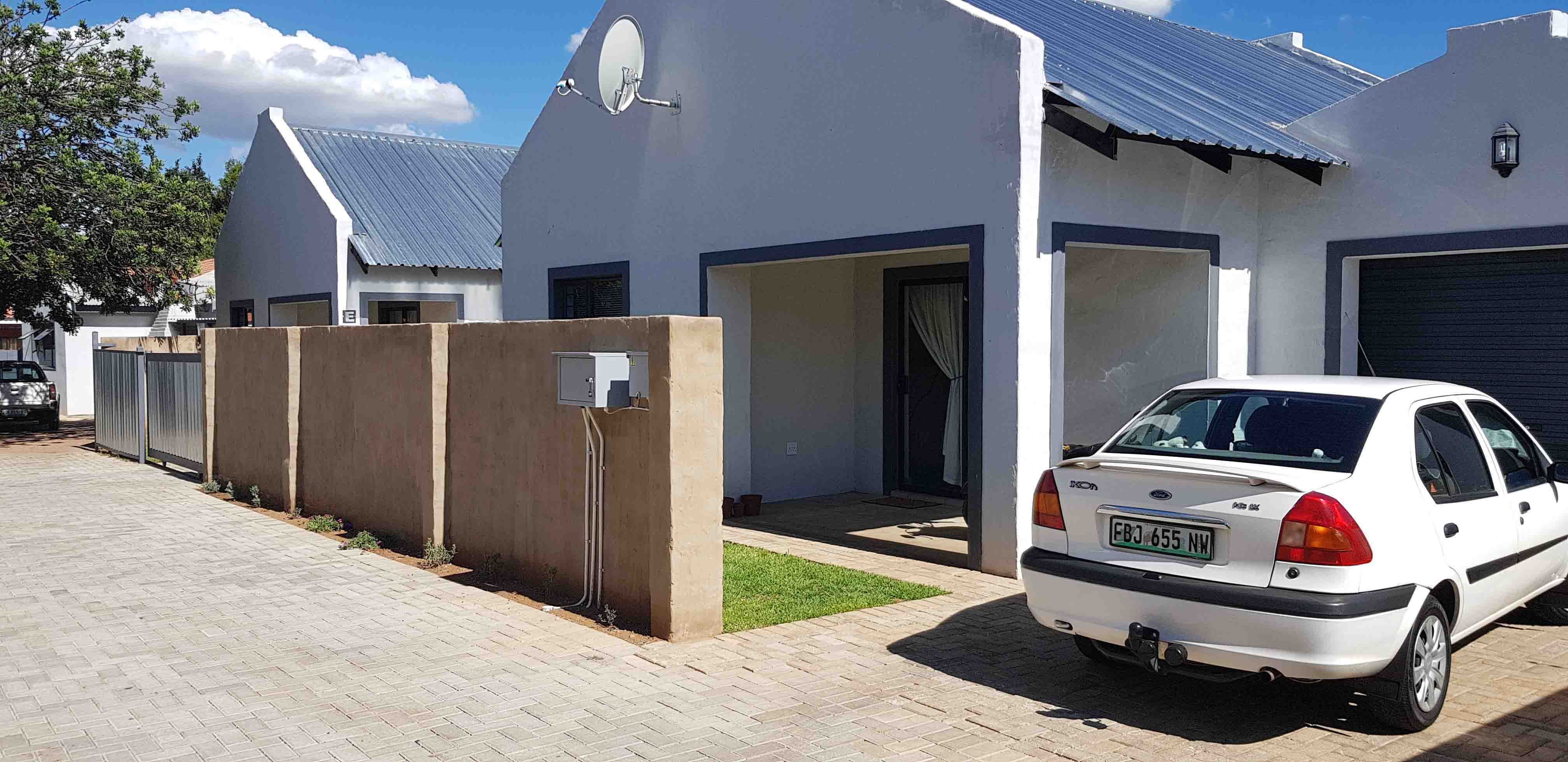 2 BedroomTownhouse For Sale In Potchefstroom Central