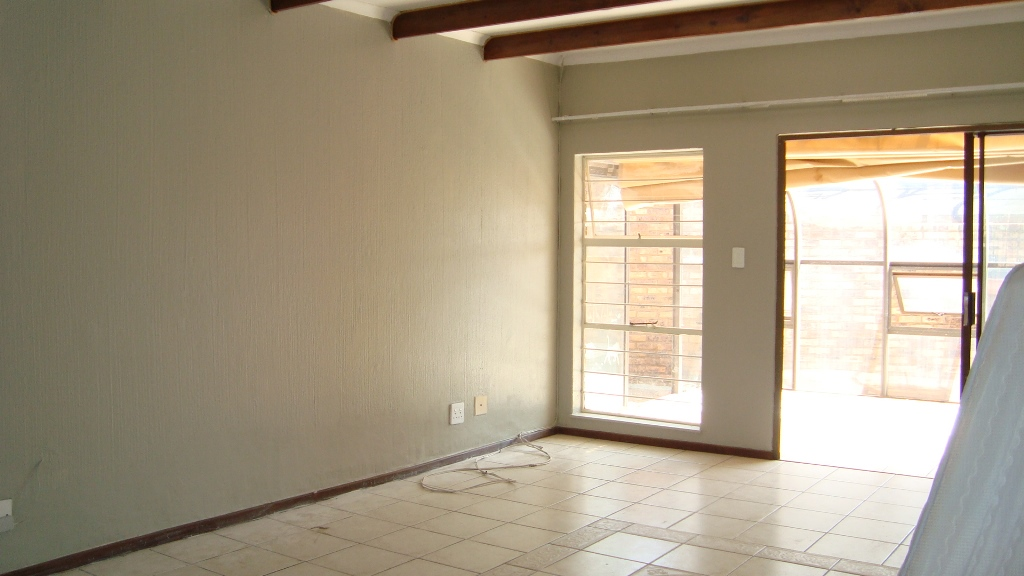 3 Bedroom Townhouse for sale in Glenvista ENT0067781 : photo#4
