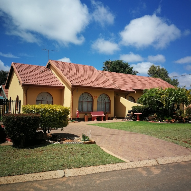 3 BedroomHouse For Sale In Rayton