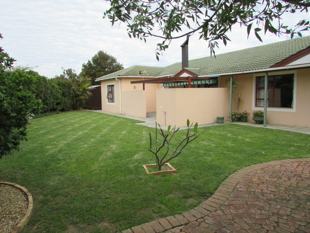3 BedroomHouse Pending Sale In Strand South