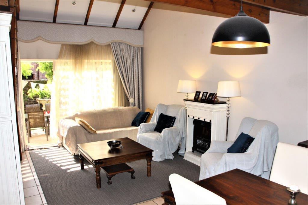 3 Bedroom Townhouse for sale in Eldoraigne ENT0032709 : photo#3
