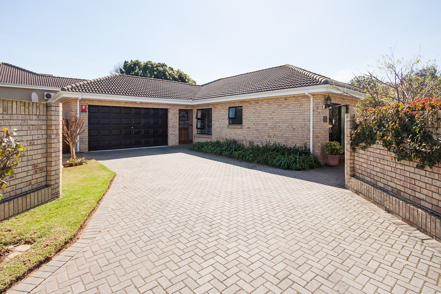 3 BedroomTownhouse For Sale In Walmer Heights
