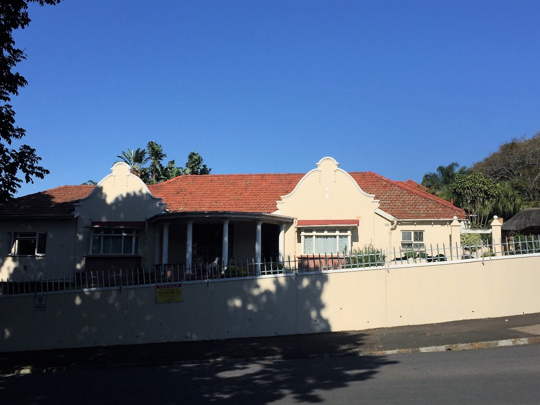 Immaculate 4 bedroom home with flatlert