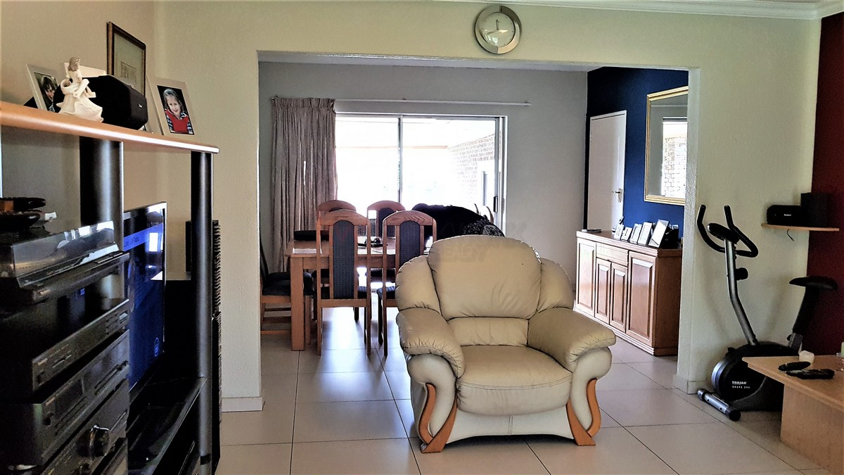 3 Bedroom House for sale in Verwoerdpark ENT0084386 : photo#2