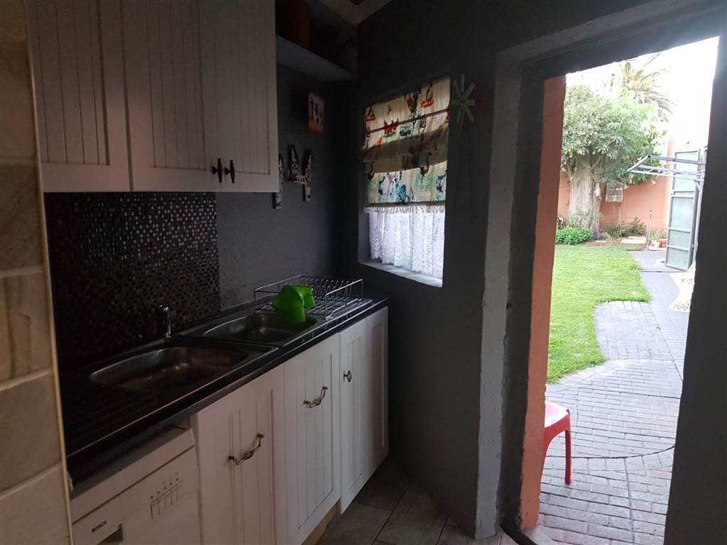 4 Bedroom House for sale in Florentia ENT0079846 : photo#23