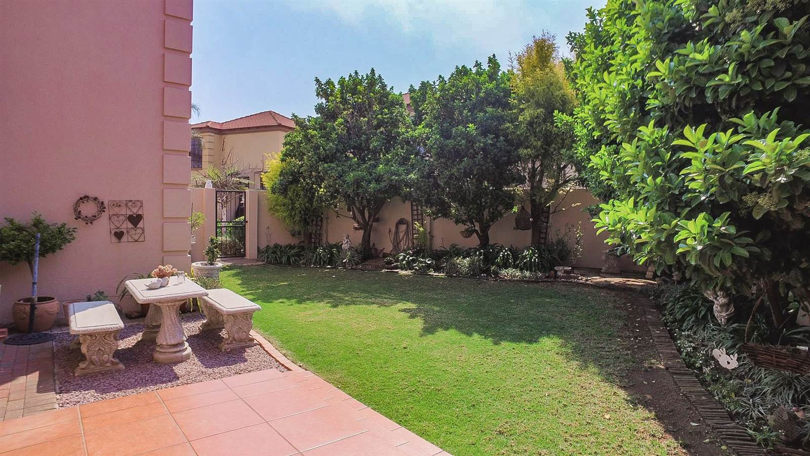 4 Bedroom Townhouse for sale in Mulbarton ENT0067436 : photo#9