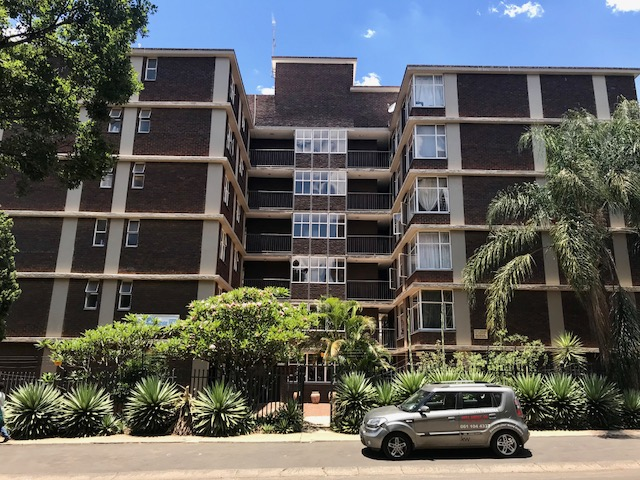 In Silverton, Pretoria East is a 2.5 Bedroom apartment for sale.