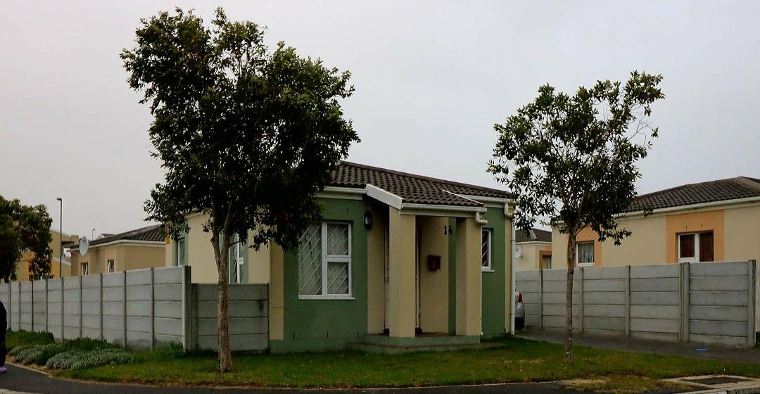 2 BedroomTownhouse Pending Sale In Sunset Glen