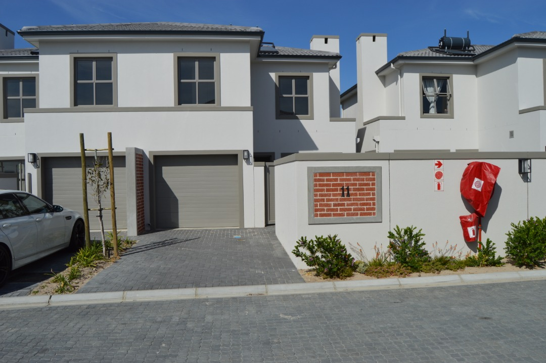 Absolute best BUY - 3 bed in Parklands North