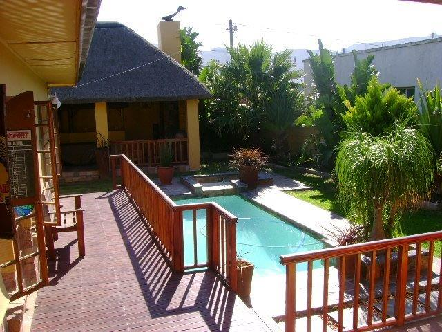 13 BedroomHouse For Sale In Summerstrand