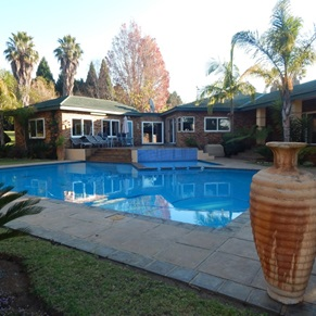 14 BedroomHouse For Sale In Lydenburg