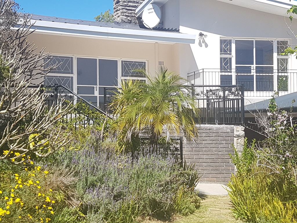 5 BedroomHouse Pending Sale In Dalsig