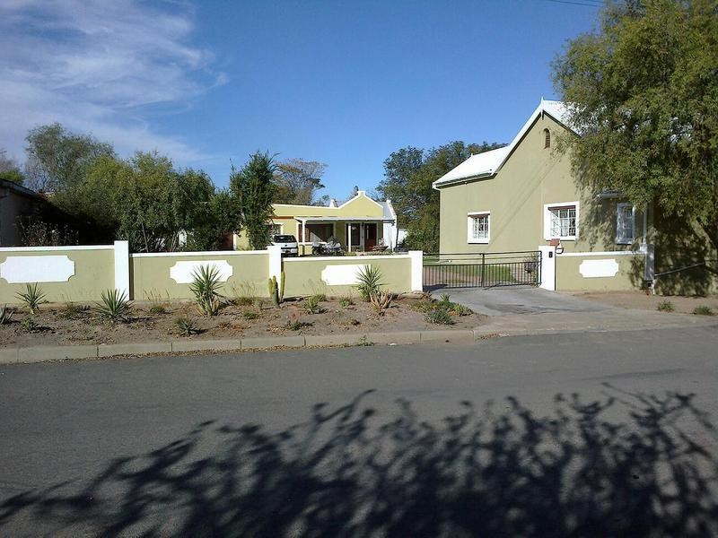 3 BedroomHouse For Sale In Ladismith