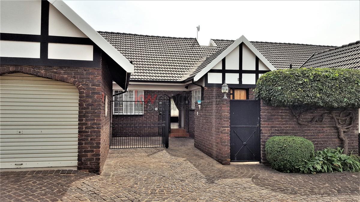 3 BedroomTownhouse For Sale In Brackenhurst