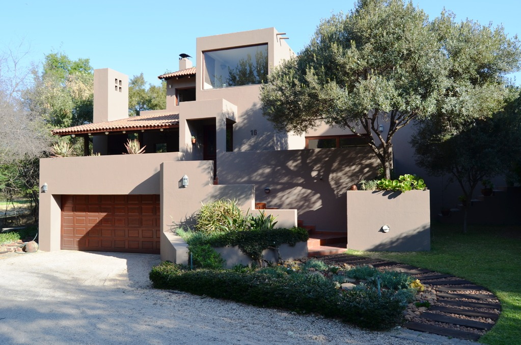 3 BedroomHouse For Sale In Magalies Golf Estate