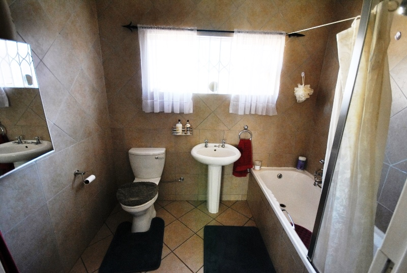 3 Bedroom House for sale in Valhalla ENT0040129 : photo#6