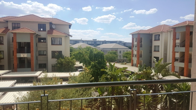 2 BedroomApartment For Sale In Greenstone Hill