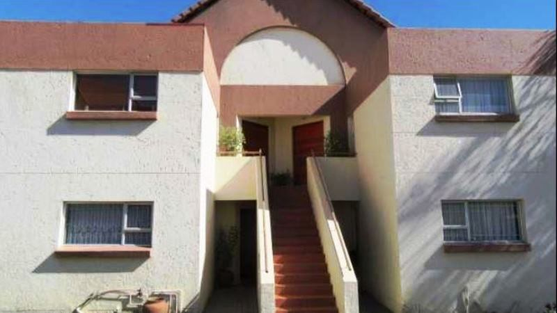 2 BedroomTownhouse For Sale In Bedford Gardens