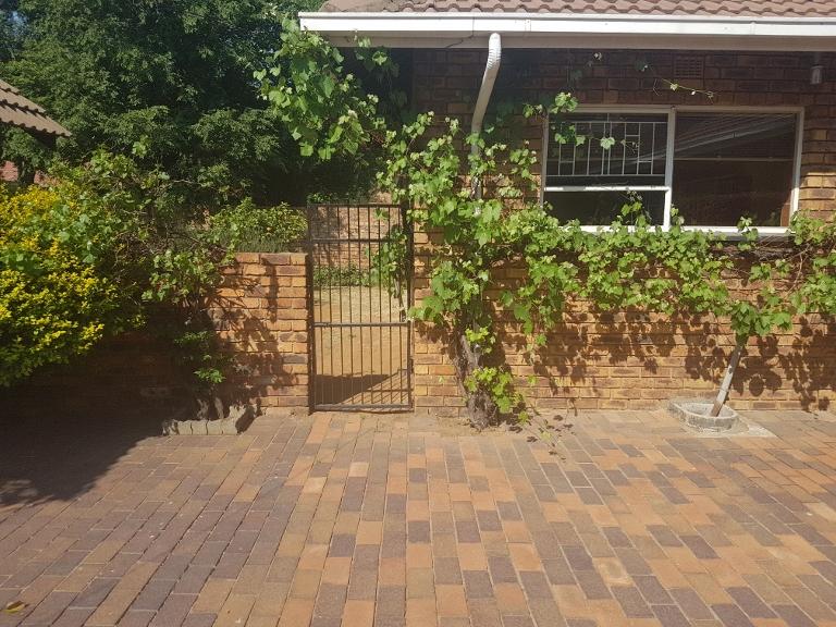 3 Bedroom House for sale in Sunward Park ENT0066969 : photo#34