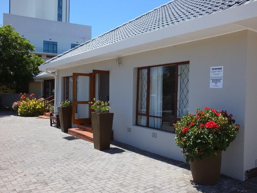 Guest House For Sale In Summerstrand