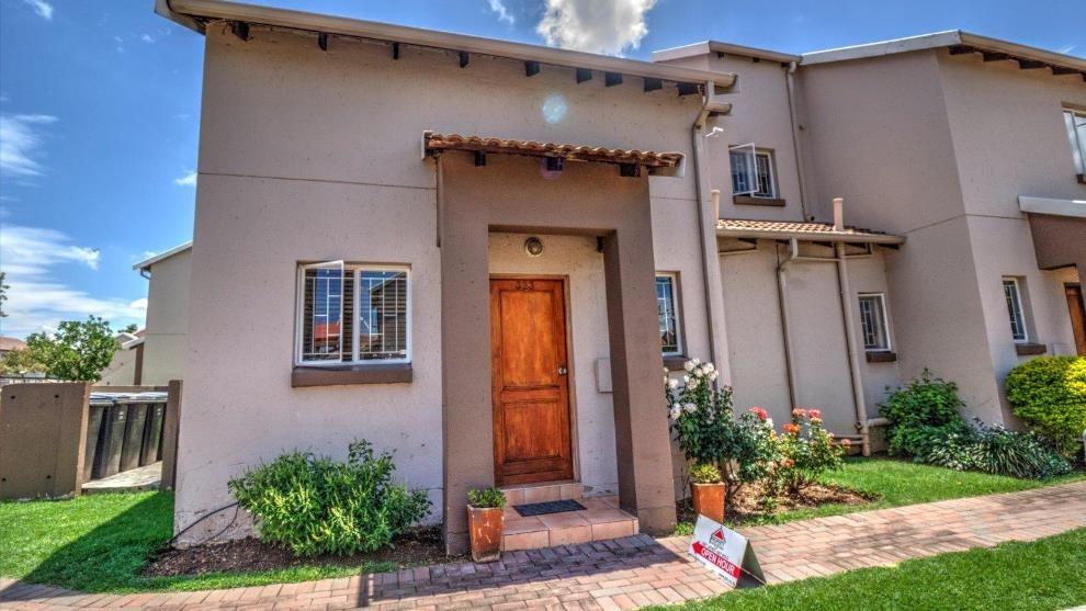 3 Bedroom Duplex in Aloe Place | Greenstone Hill