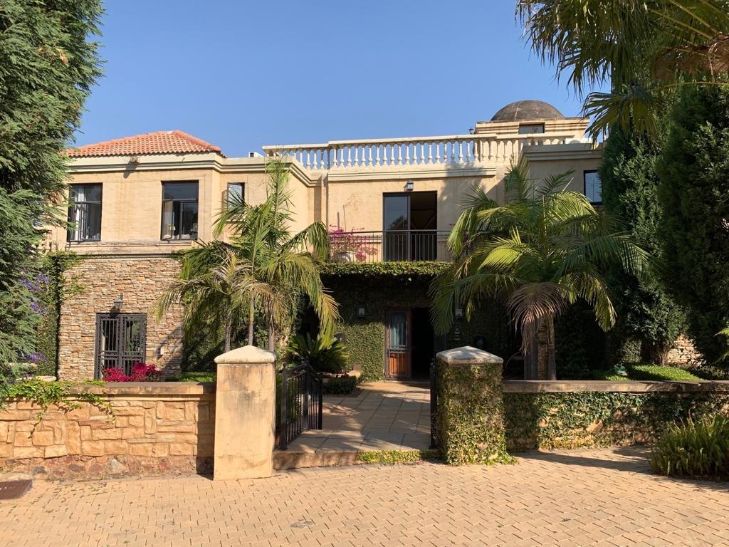 Ambassadorial home in Waterkloof Ridge