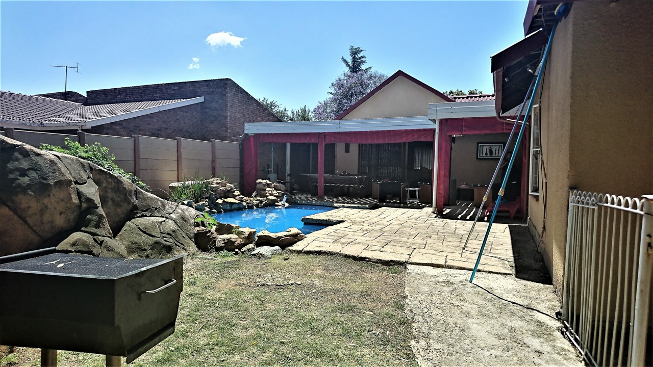 3 Bedroom House for sale in Brackendowns ENT0077762 : photo#12