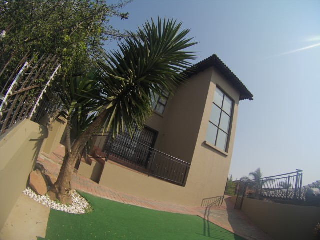 3 Bedroom Townhouse for sale in Bassonia ENT0067326 : photo#0