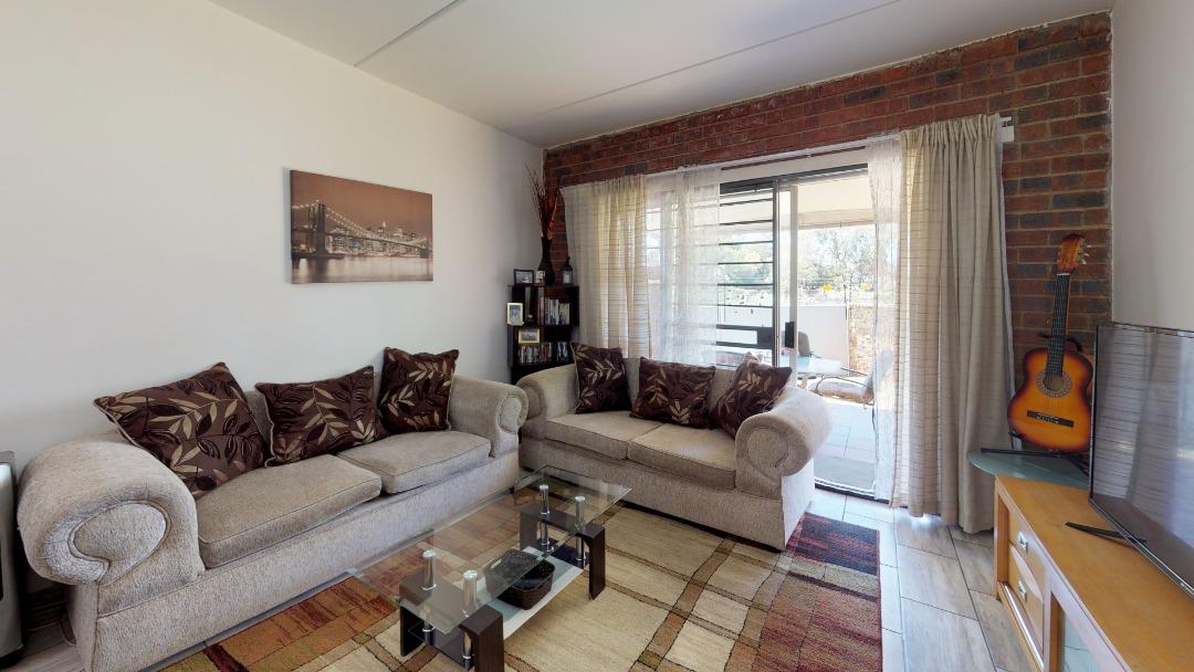 1-Sunny-side-Ridge-Living-Room.jpeg