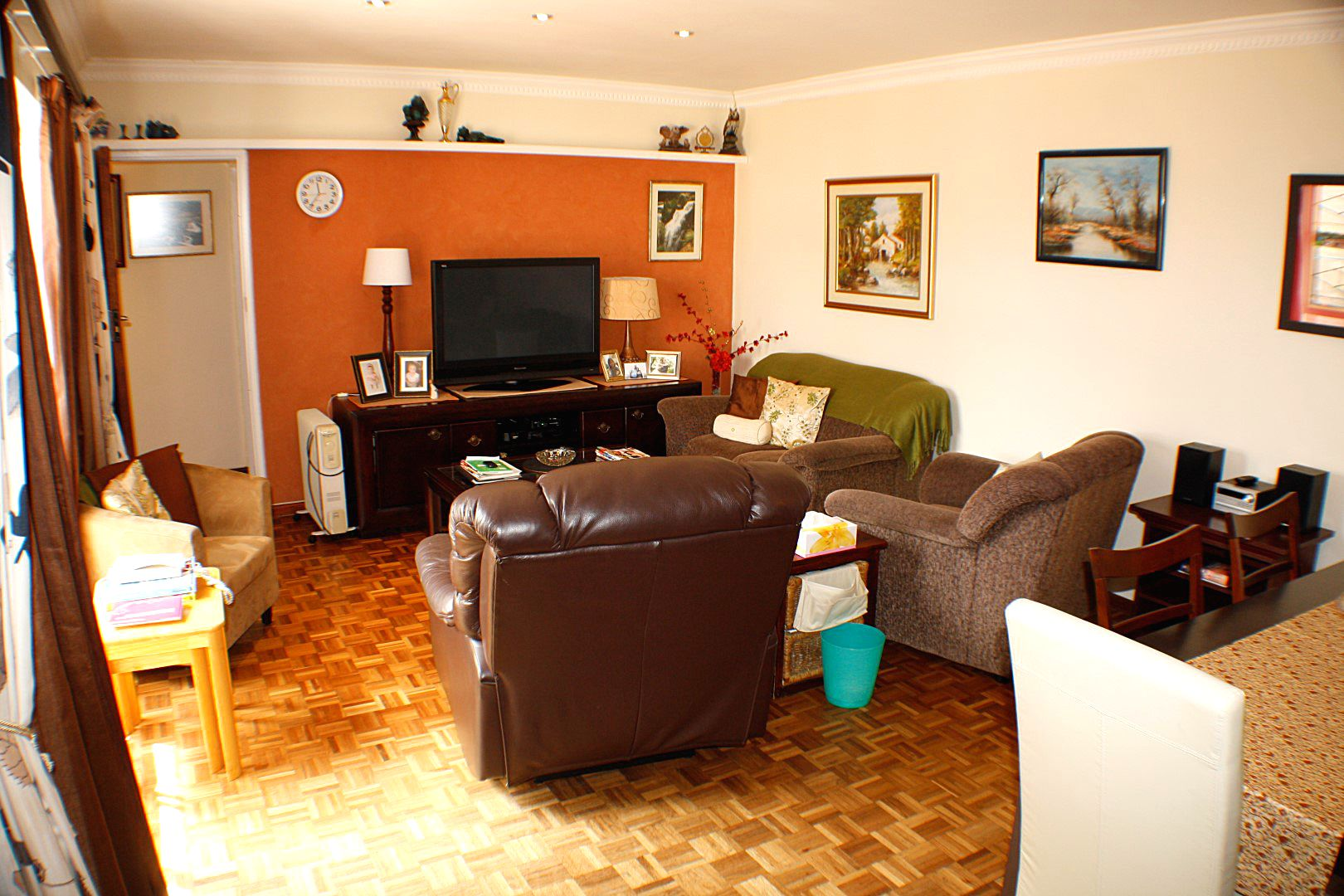 4 Bedroom House for sale in Edgemead ENT0067558 : photo#9