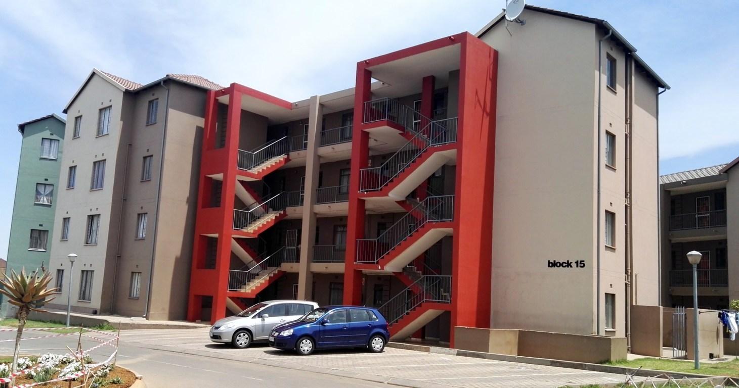 19 Bachelor units for sale in Soweto, Jabulani