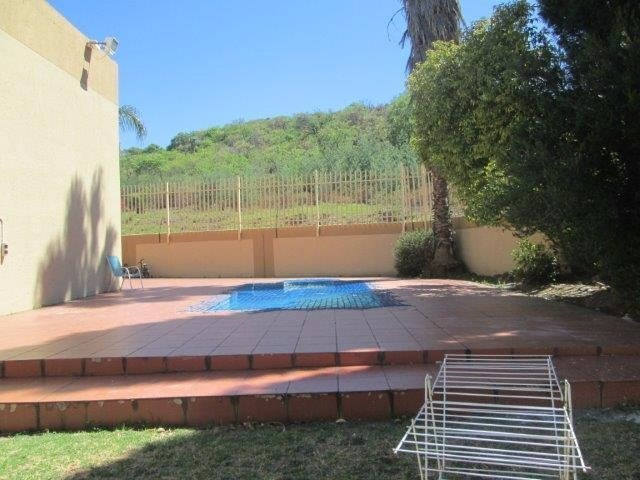 3 Bedroom Townhouse for sale in Bassonia ENT0072709 : photo#4