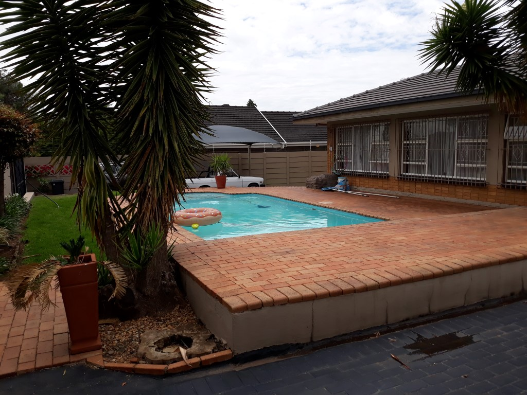 3 Bedroom House for sale in South Crest ENT0080475 : photo#1