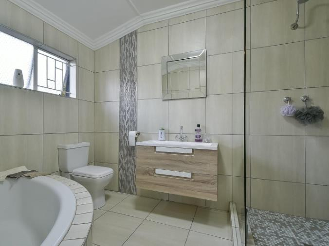 4 Bedroom House for sale in Randhart ENT0074524 : photo#11