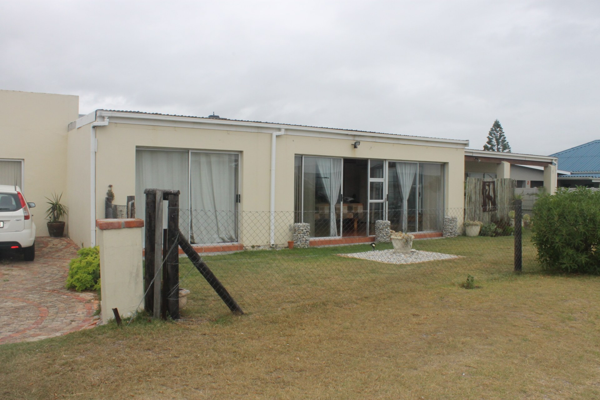 7 Bedroom House for sale in Franskraal ENT0000733 : photo#1
