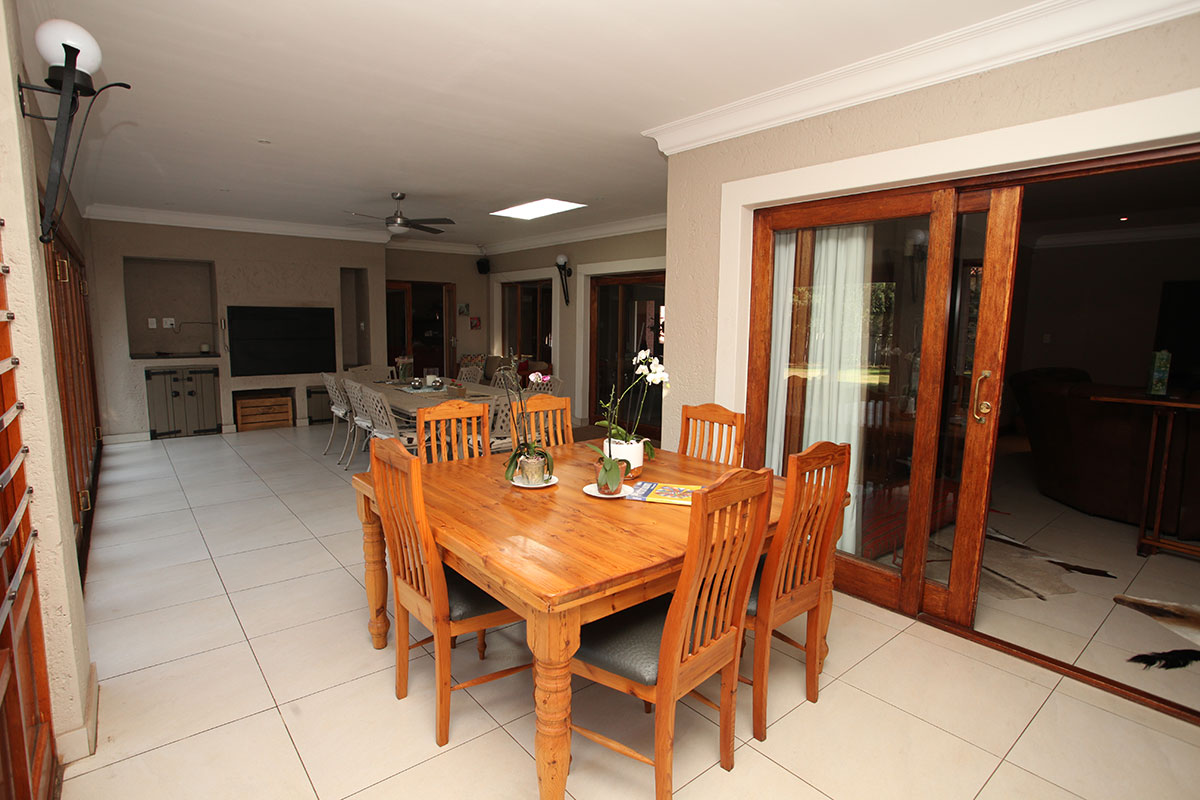 4 Bedroom House for sale in Waterkloof ENT0009460 : photo#10
