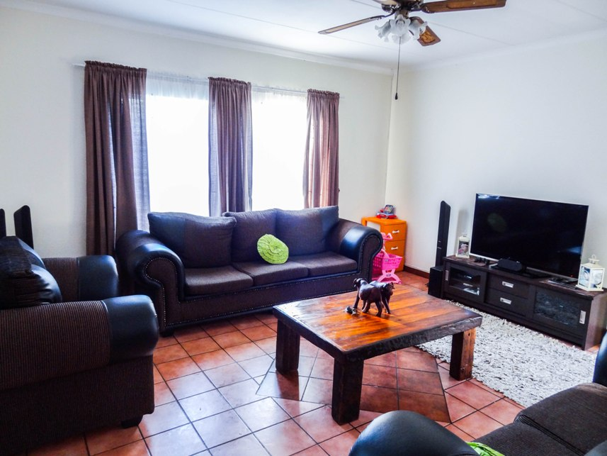 3 Bedroom House for sale in Claremont ENT0075223 : photo#3